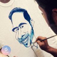 نقاشی کاریکاتور روی تیشرت