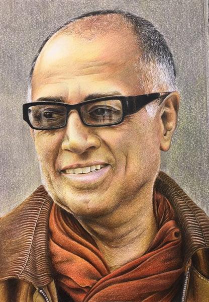 نقاشی چهره عباس کیارستی با تکنیک مداد رنگی