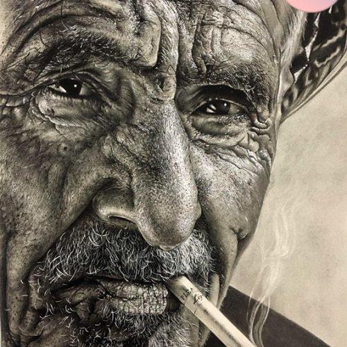 طراحی چهره هایپررئال با مداد سیاه