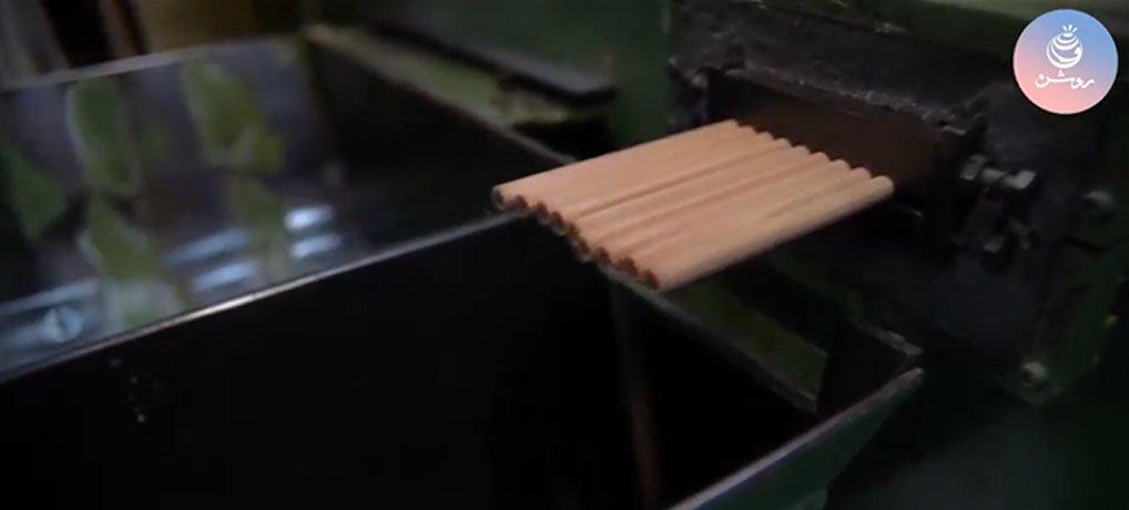فیلم نحوه ساخت مداد رنگی از کارخانه Derwent